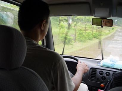 爸爸开车技术很棒
