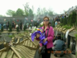 2006年清明节为母亲扫墓!