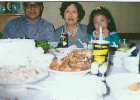父母与外甥女合影