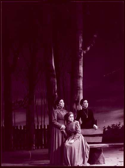 1960《三姐妹》屠森巴赫男爵—刁光覃 /娜塔里雅—朱琳、梁菁