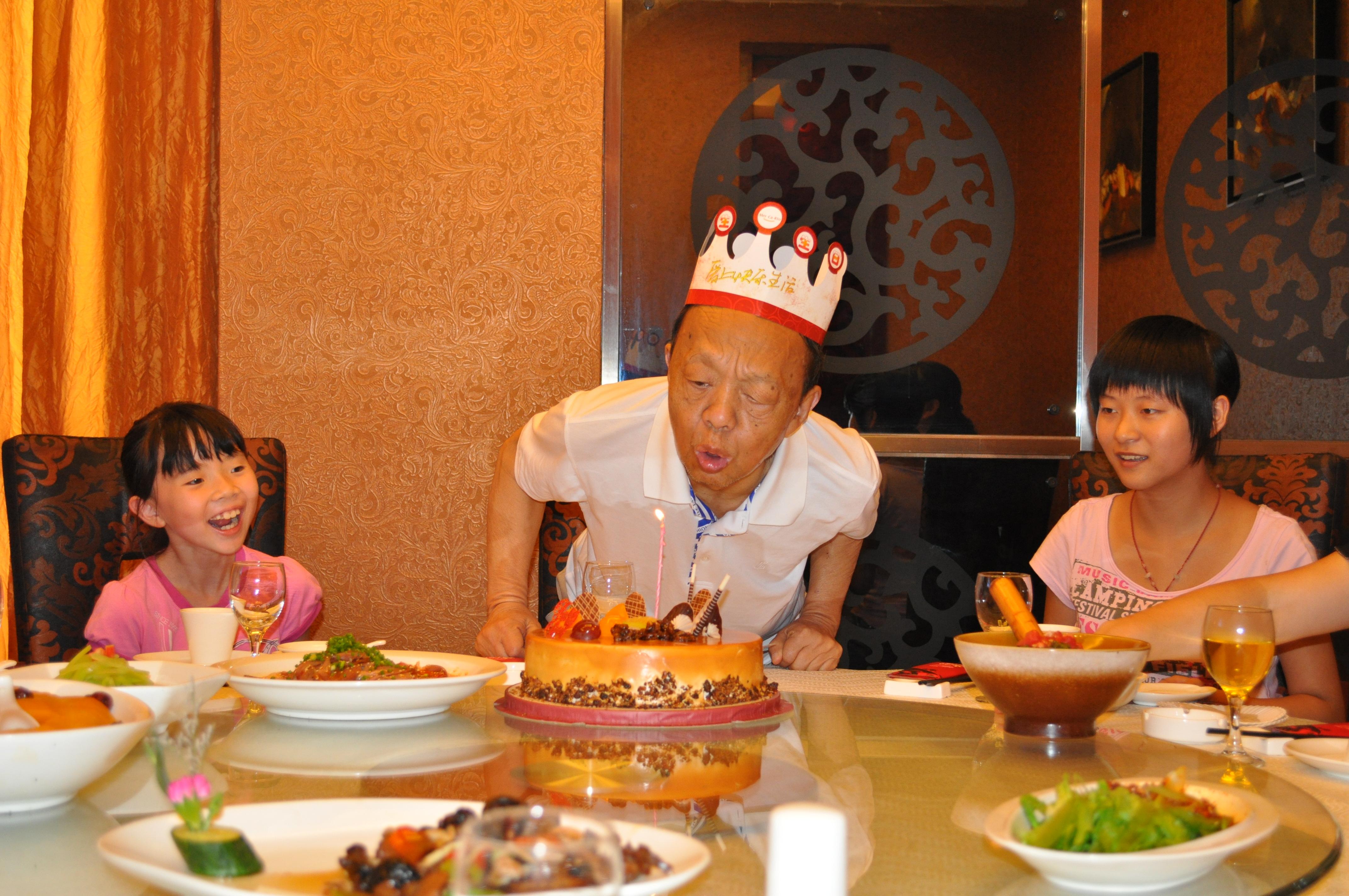 2010年8月,父亲最后过的生日
