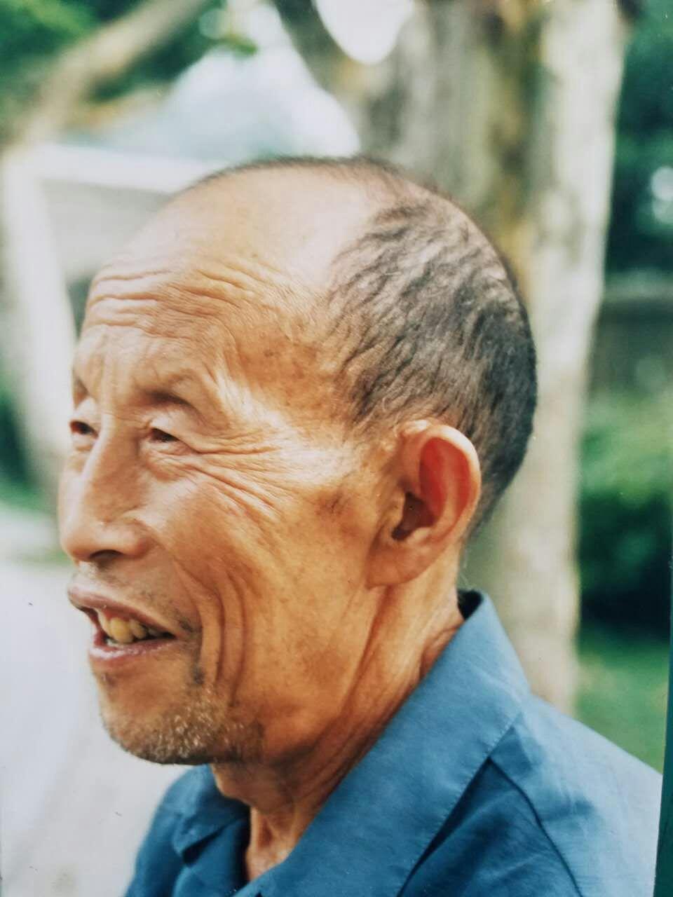 伯伯在广汉民航飞行学院