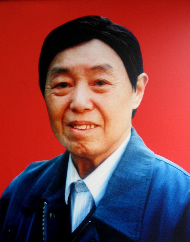 深切缅怀敬爱的父亲——萧大毅老先生
