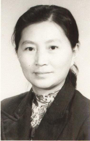 东方女性芦传玲