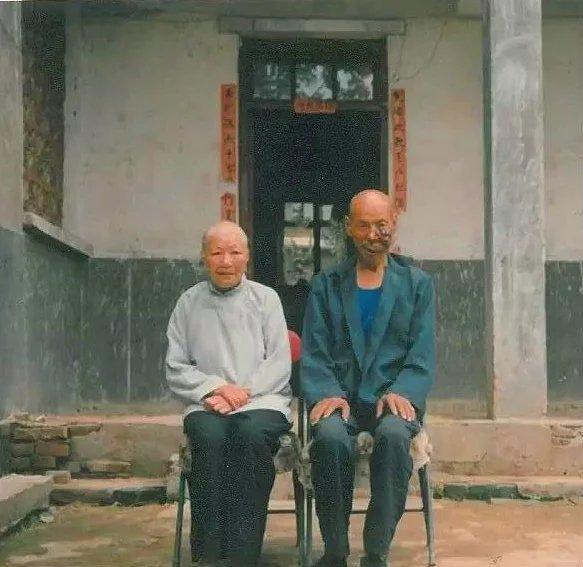 父(钮小寅)母(张桂英)纪念馆