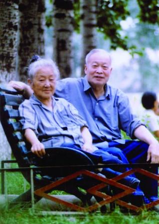 """中国的""""居里夫妇""""——钱三强何泽慧"""